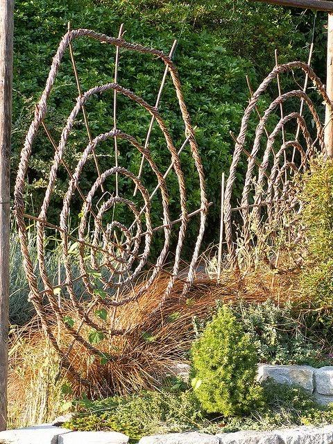 Садовая шпалера своими руками