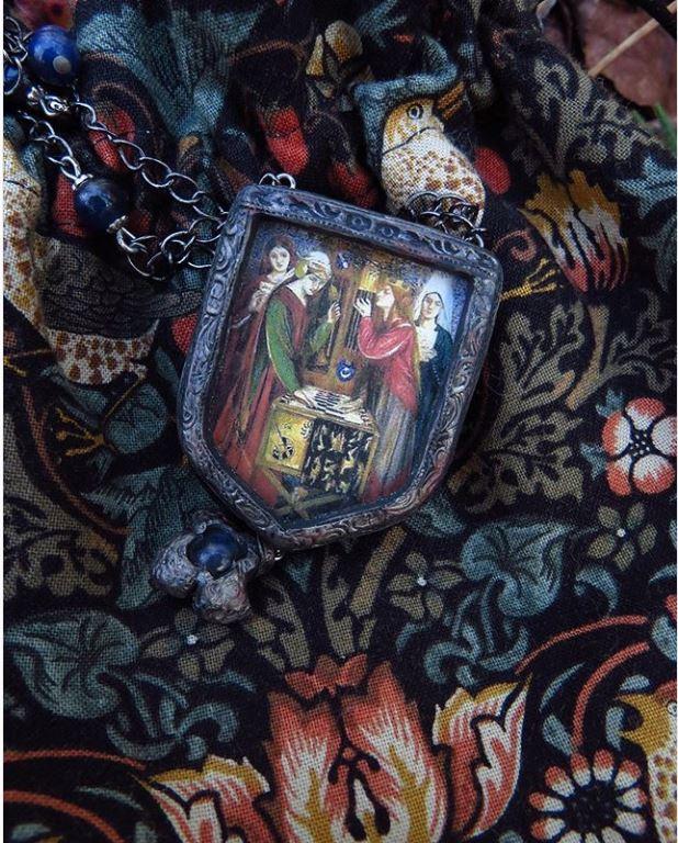 Pre Raphaelite amulet