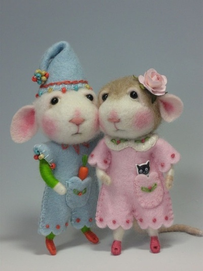 Mice felted friends