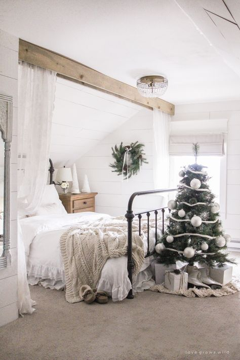 A tree in the bed room