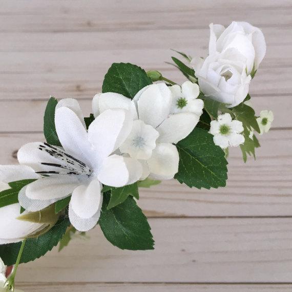 Crown flower white