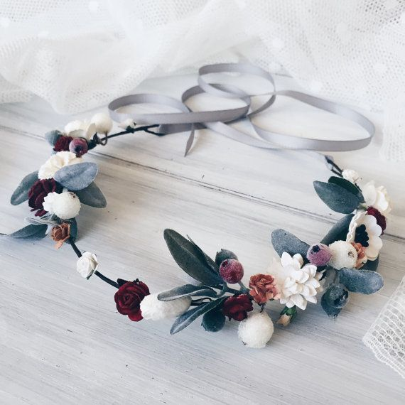Winter bridal flowers crown
