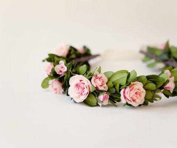 Rose boxwood bridal floral wreath