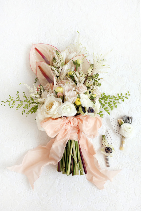 Wedding flowers spring bouquets