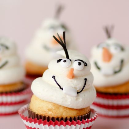 Frozen-Inspired Olaf Cupcakes