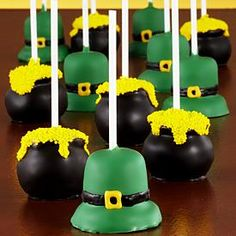 Patricks st day cake pops ...