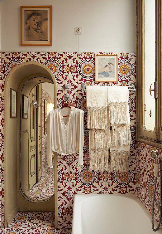 Tile lined bathroom