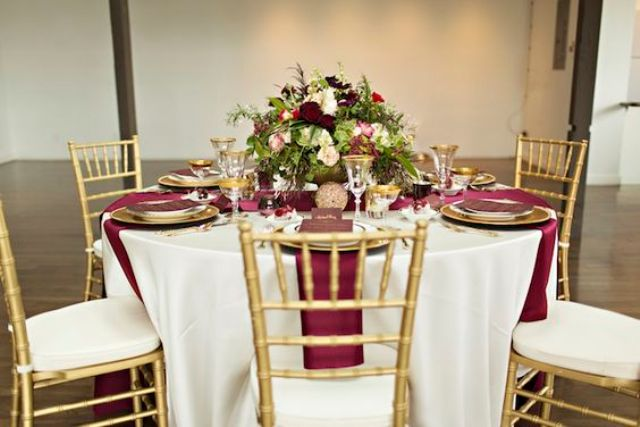 Burgundy table decor ideas
