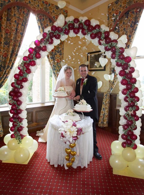 Burgundy dramatic com wedding ideas