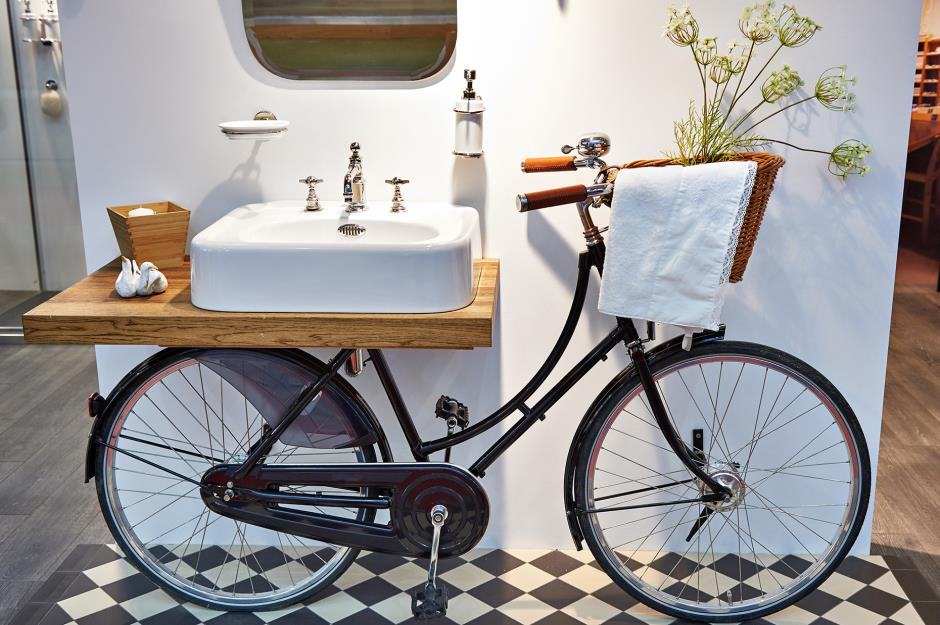 Recycle your old bike bathroom