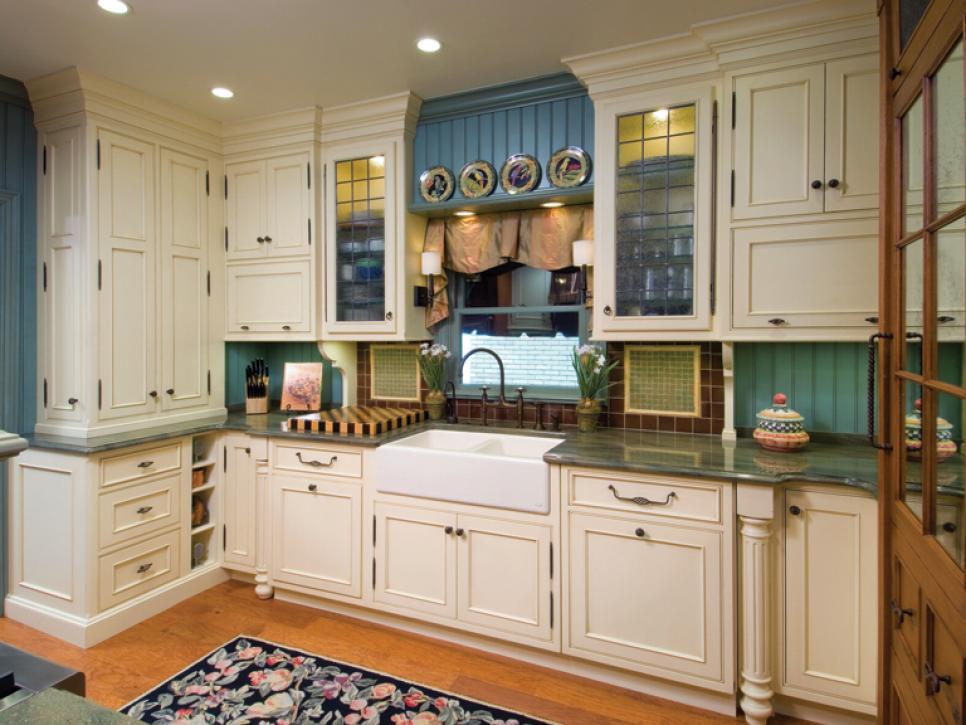 Efficient Pullman-Style Kitchen