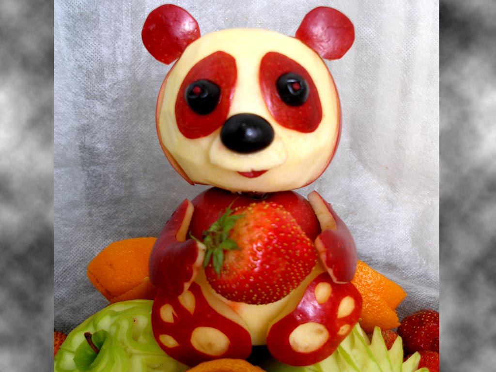 Apple panda fruit art carving