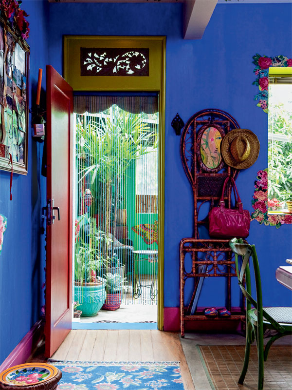 São Paulo house in bright colors