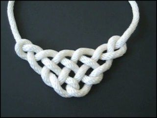 Paracord knots necklace