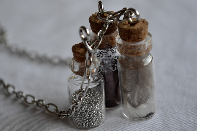 Glass bottle necklace diy