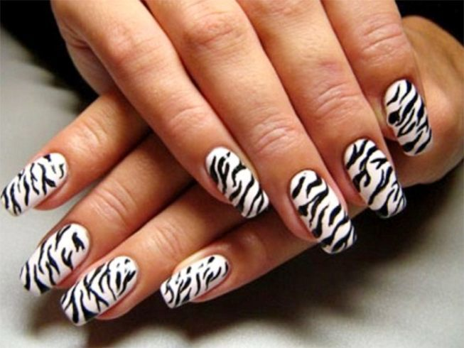 Zebra print nail patterns