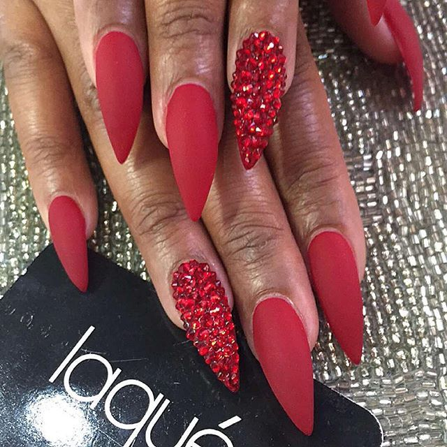 Red beautiful nail art