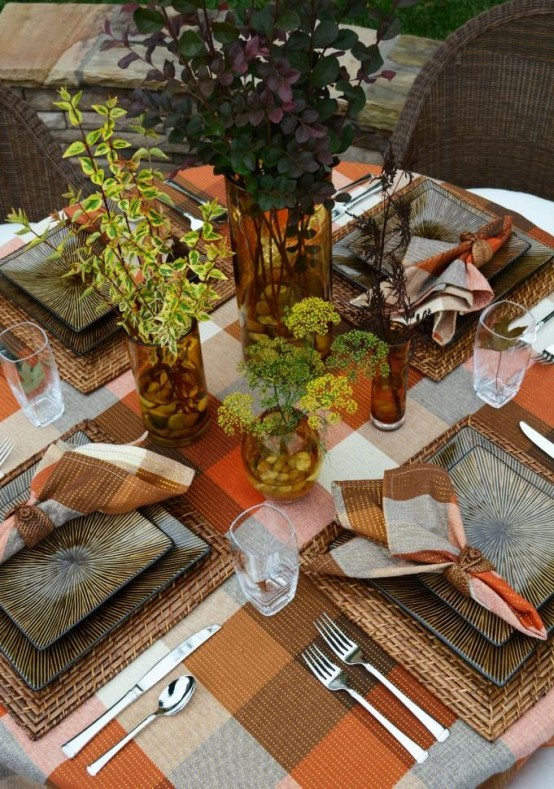 Plaid table scapes