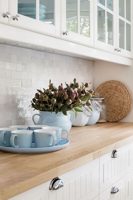 Blue tea cups
