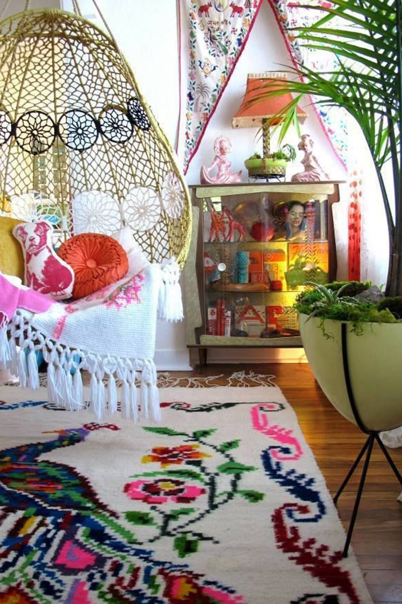 Crochet hammock chair and fringes