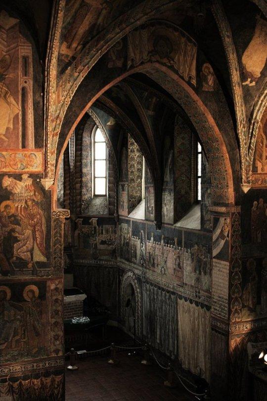 Church ceiling corners