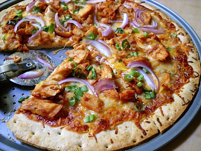 Chicken bbq pizzas