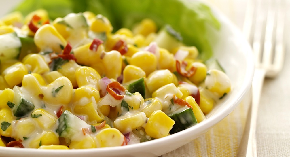 Salad zesty and corn cucumber